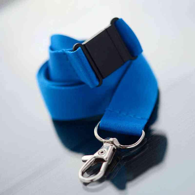 Sininen Avainnauha 20mm turvalukolla ja papukaijaklipsillä (sopii sublimaatiopainamiseen)