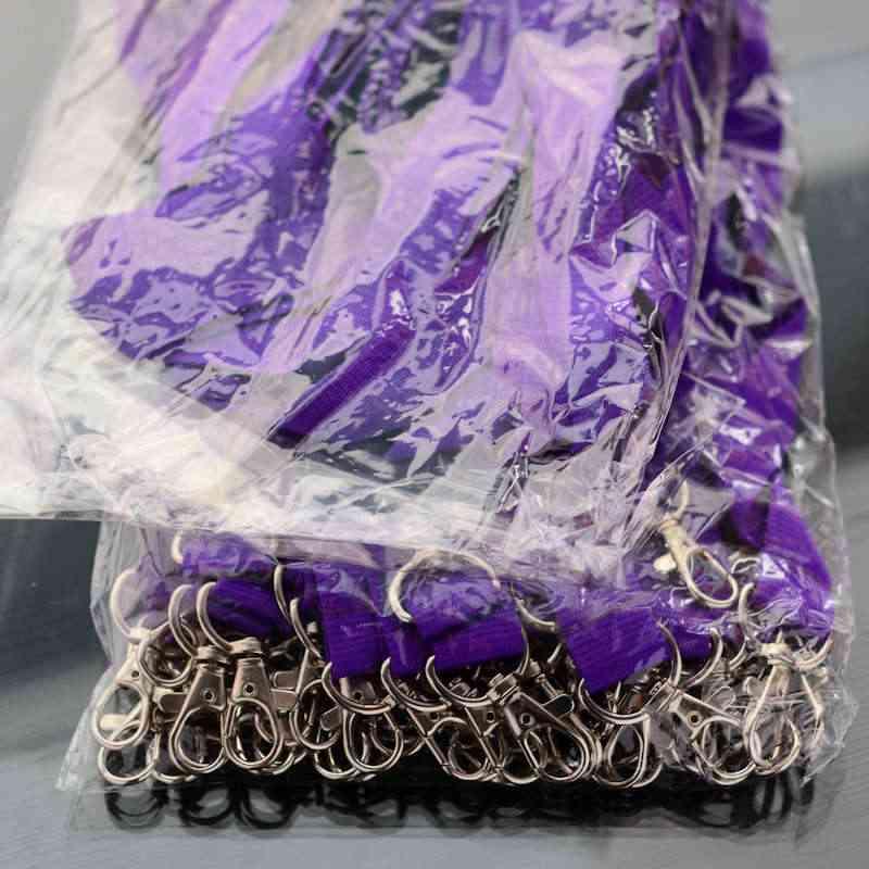 Violetti Avainnauha 20mm kahdella klipsillä, ei turvalukkoa, pehmeä materiaali
