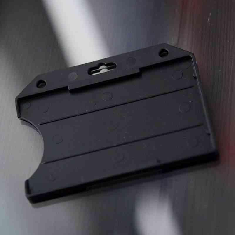 Musta Perinteinen ID-kortin pidike yhdelle kortille