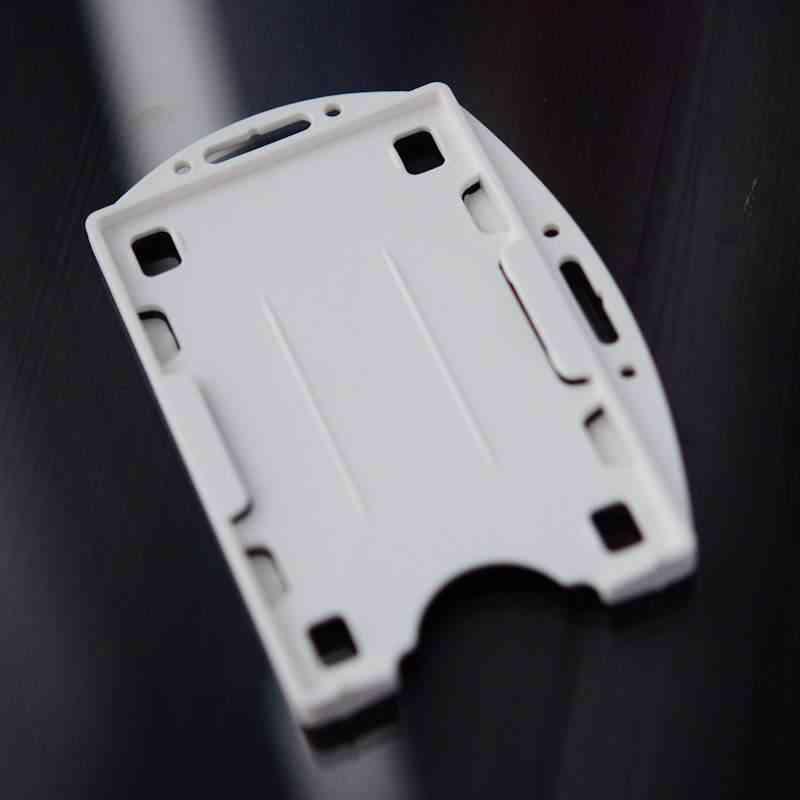 Valkoinen Muovikorttipidike kahdelle standardikokoiselle ID-kortille