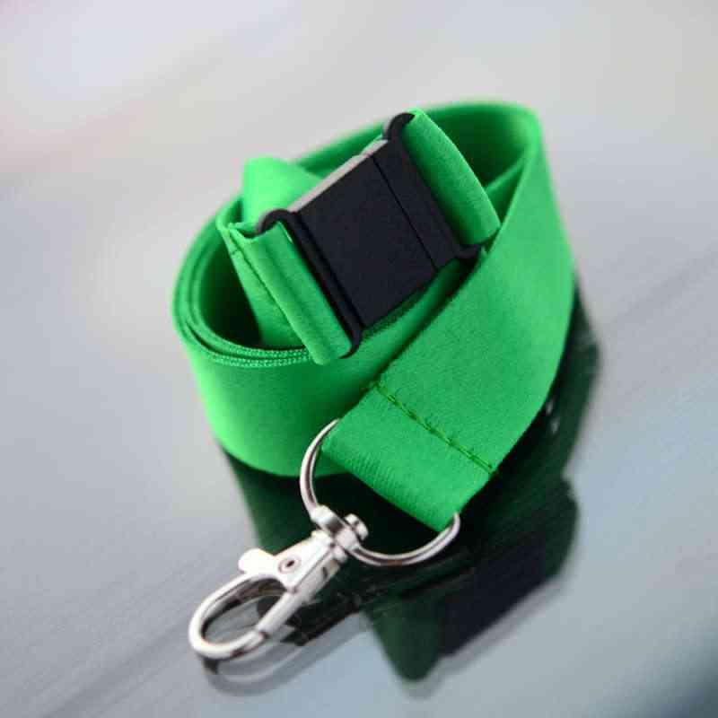 Vihreä Avainnauha 20mm turvalukolla ja papukaijaklipsillä (sopii sublimaatiopainamiseen)
